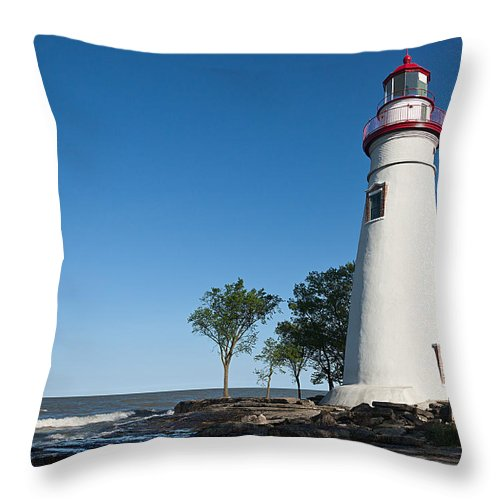 Marblehead Lighthouse Throw Pillow featuring the photograph Marblehead Lighthouse by Dale Kincaid