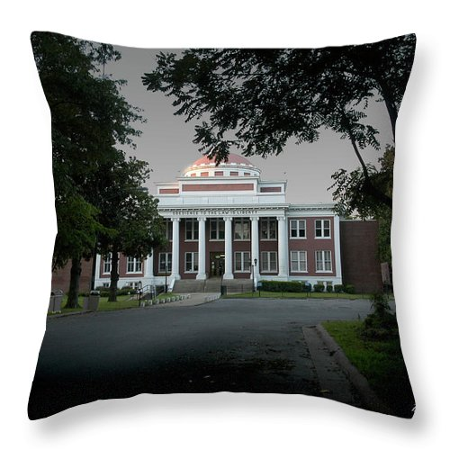 Marion Ar Throw Pillow featuring the photograph Marion Couthouse by D'Arcy Evans