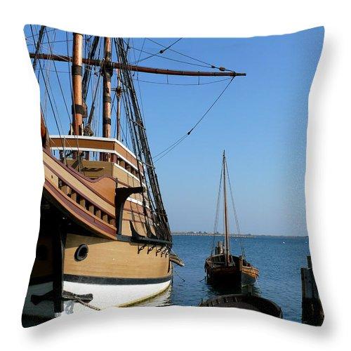 Plymouth Mass Throw Pillow featuring the photograph Mayflower II by Mark Grayden