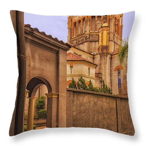 St. Augustine Throw Pillow featuring the photograph Memorial Presbyterian Church by Priscilla Burgers