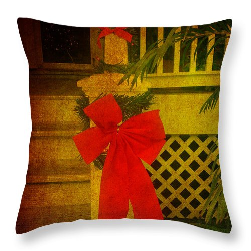 Christmas Throw Pillow featuring the photograph Merry Christmas To You by Susanne Van Hulst