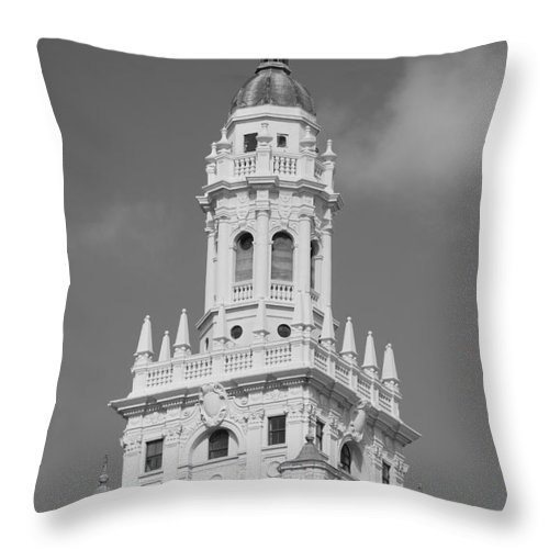 Architecture Throw Pillow featuring the photograph Miami Tower by Rob Hans