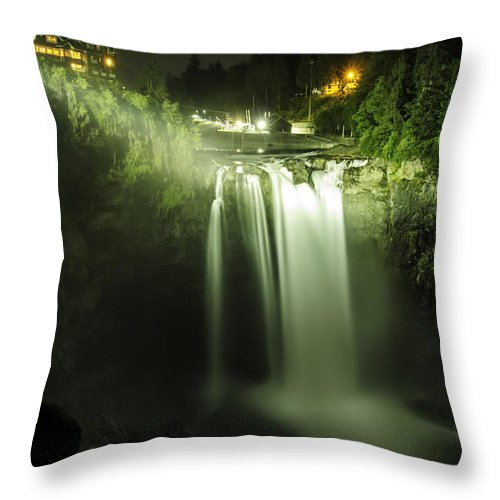Snoqualmie Falls Throw Pillow featuring the photograph Midnight Curtain by Ryan McGinnis