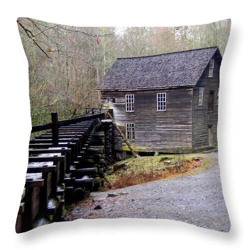 Great Smokey Mountain National Park Throw Pillow featuring the photograph Mingus Mill by Marty Koch