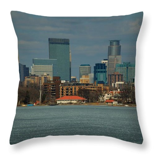 Landscape Throw Pillow featuring the photograph Minneapolis Skyline by D Nigon
