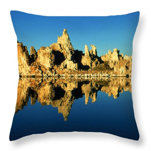 Mono+lake Throw Pillow featuring the photograph Mono Lake California Sunset - Landscape by Peter Potter