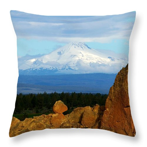 Mount Jefferson Throw Pillow featuring the photograph Mount Jefferson by Randall Ingalls