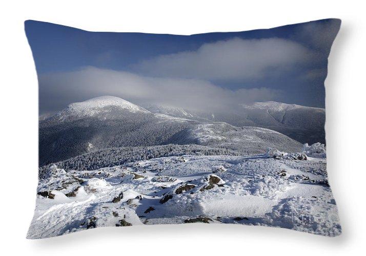White Mountains Throw Pillow featuring the photograph Mount Washington - New Hampshire Usa by Erin Paul Donovan
