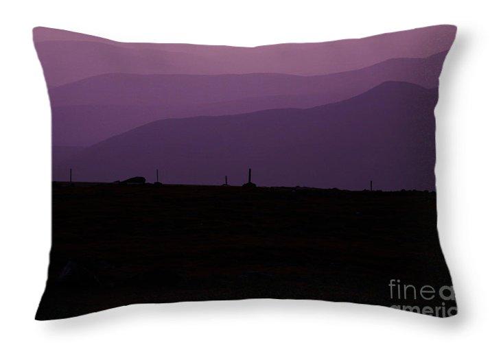 White Mountains Throw Pillow featuring the photograph Mount Washington New Hampshire - Auto Road by Erin Paul Donovan