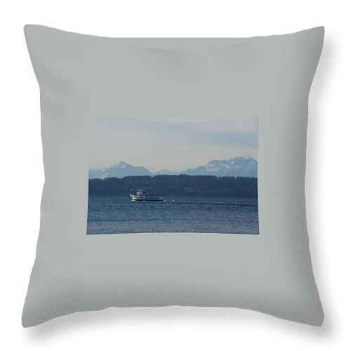 Throw Pillow featuring the photograph Mountain View Cruise by Cara Packer