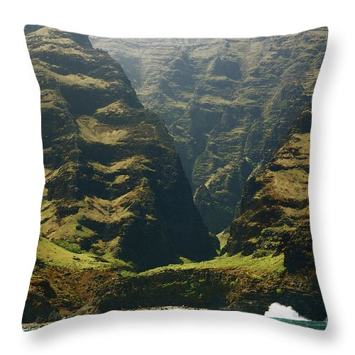 Beautiful Throw Pillow featuring the photograph Na Pali 1 by Kicka Witte - Printscapes