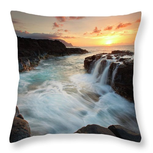 Na Pali Throw Pillow featuring the photograph Na Pali Sunset by Mike Dawson