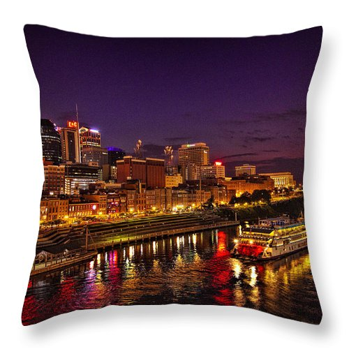 Nashville Throw Pillow featuring the photograph Nashville And General Jackson by Diana Powell