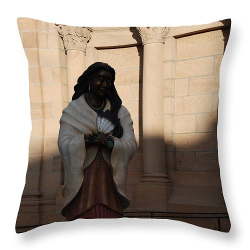 Sculpture Throw Pillow featuring the photograph Native American Saint by Rob Hans