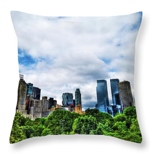 Manhattan Throw Pillow featuring the photograph Nature In Metropolis by Randy Aveille