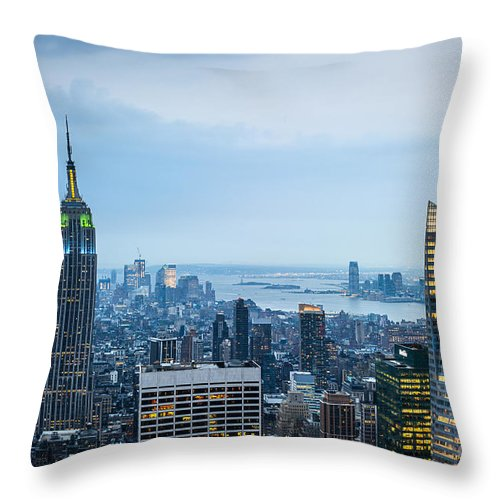 Spectacular Throw Pillow featuring the photograph New York Blues by Ray Warren