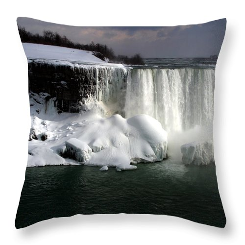 Landscape Throw Pillow featuring the photograph Niagara Falls 6 by Anthony Jones