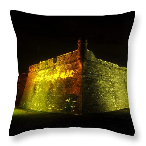 Castillo De San Marcos Throw Pillow featuring the photograph Night At The Castillo by David Lee Thompson