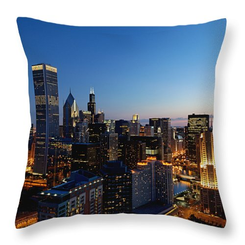 Chicago Throw Pillow featuring the photograph Night Falls On Chicago - D001087 by Daniel Dempster
