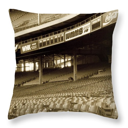 Cleveland Throw Pillow featuring the photograph Nobodys Home by Kenneth Krolikowski