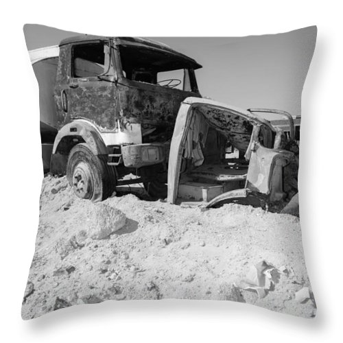 2015 Throw Pillow featuring the photograph Noong Unang Panahon by Jez C Self