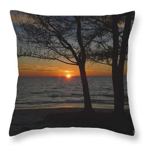 Beach Throw Pillow featuring the photograph North Beach Sunset by David Lee Thompson