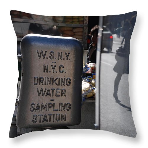 Street Scene Throw Pillow featuring the photograph Nyc Drinking Water by Rob Hans