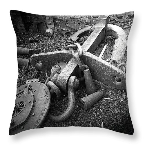 Cast Iron Throw Pillow featuring the photograph Old Anchor by Bob Kemp