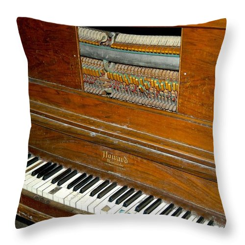 Antique Piano Throw Pillow featuring the photograph Old Piano by Dale Chapel