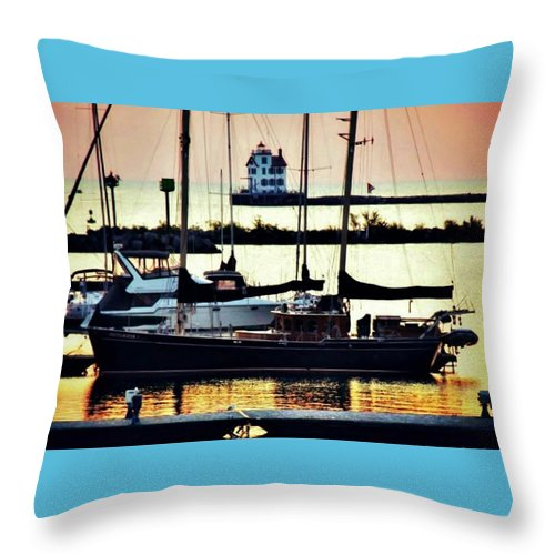 Lighthouse Throw Pillow featuring the photograph Old School by Randi Leimbach