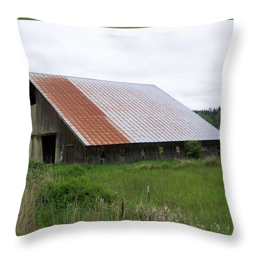 Barn Throw Pillow featuring the photograph Old Tin Roof Barn Washington State by Laurie Kidd