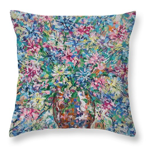 Painting Throw Pillow featuring the painting Opulent Bouquet. by Leonard Holland