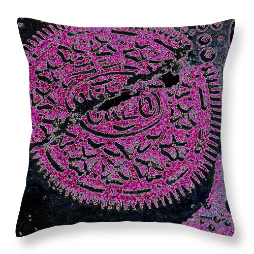 Pink Throw Pillow featuring the photograph Oreo In Pink by Nancy Mueller