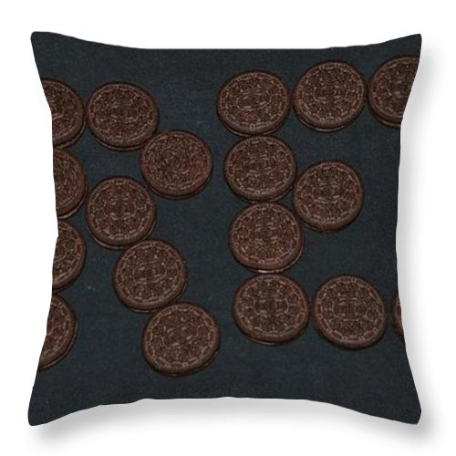 Oreo Throw Pillow featuring the photograph Oreo by Rob Hans