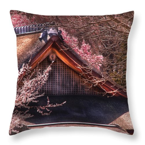 Savad Throw Pillow featuring the photograph Orient - Shofuso House by Mike Savad
