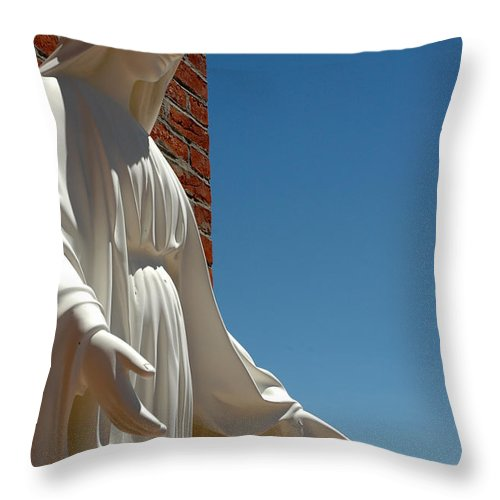 Usa Throw Pillow featuring the photograph Our Lady Of Grace by LeeAnn McLaneGoetz McLaneGoetzStudioLLCcom