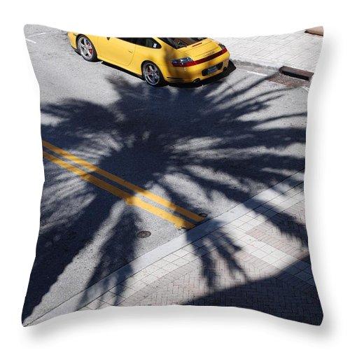 Porsche Throw Pillow featuring the photograph Palm Porsche by Rob Hans