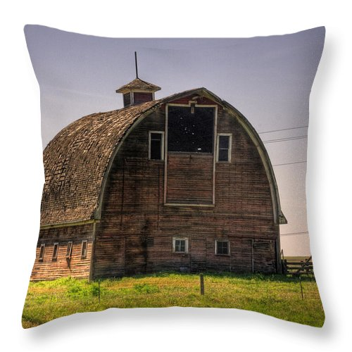 Palouse Throw Pillow featuring the photograph Palouse Barn by Lee Santa