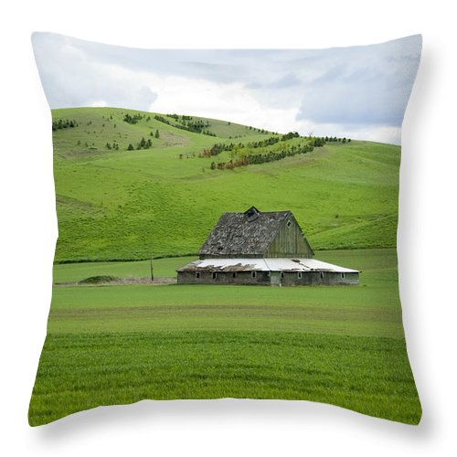 Palouse Throw Pillow featuring the photograph Palouse Old Barn by Louise Magno