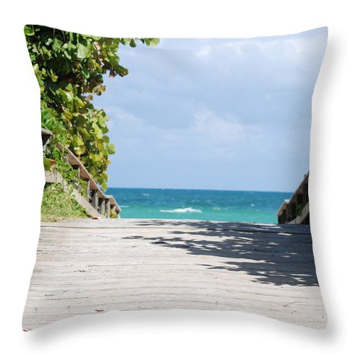 Sea Scape Throw Pillow featuring the photograph Path To Paradise by Rob Hans