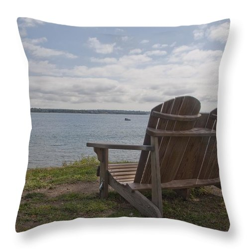 Glen Park Throw Pillow featuring the photograph Peaceful Sunday Morning by Steven Natanson