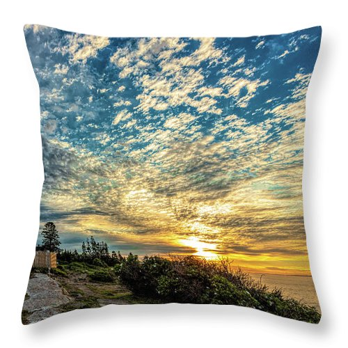 Vacationland Throw Pillow featuring the photograph Pemaquid Point Lighthouse At Daybreak by David Smith