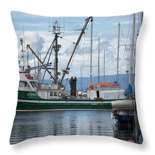 Seiner Throw Pillow featuring the photograph Pender Isle At French Creek by Randy Hall