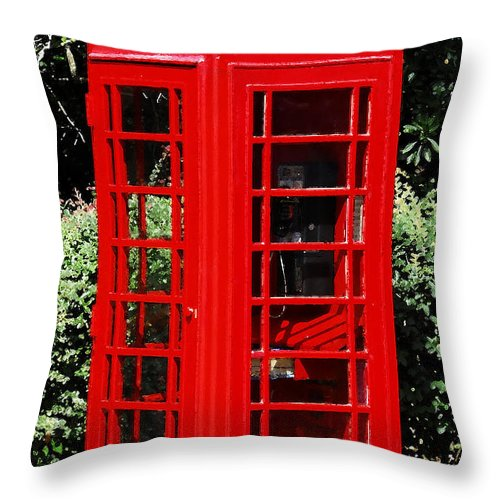 Phone Booth Throw Pillow featuring the photograph Phone Booth by David Lee Thompson
