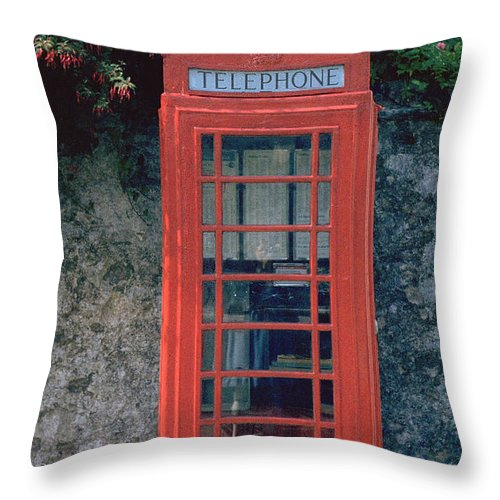 Great Britain Throw Pillow featuring the photograph Phone Booth by Flavia Westerwelle