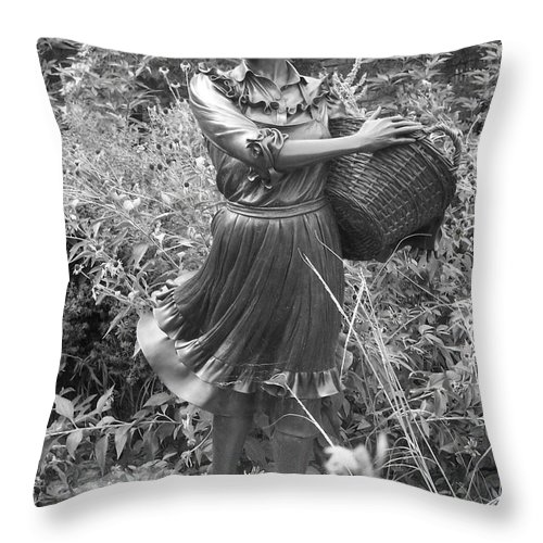 Female Throw Pillow featuring the photograph Pioneer Statue by Emily Young