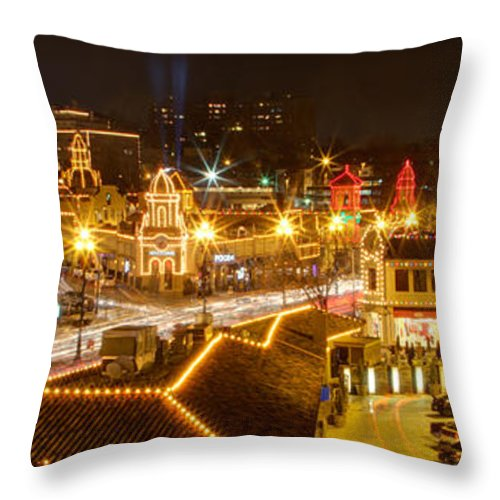 kansas City Plaza Lights Christmas Hdr Throw Pillow featuring the photograph Plaza Overlook At Christmas by Rachel Crozier
