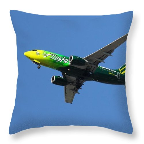 Portland Timbers Throw Pillow featuring the photograph Portland Timbers - Alaska Airlines N607as by Aaron Berg