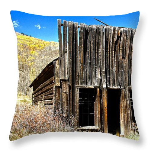 Aspen Throw Pillow featuring the photograph Post Office by Elisabeth Derichs