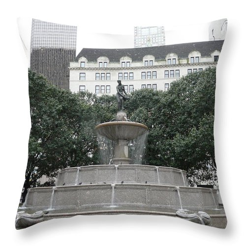 New York Throw Pillow featuring the photograph Pulitzer Fountain by Valerie Ornstein
